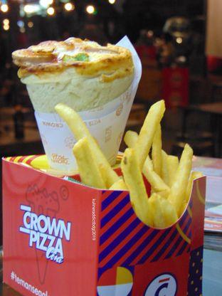 Foto - Makanan di Crown Pizza Cone oleh Kuliner Addict Bandung