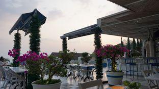 Foto 2 - Eksterior(Ambience Of The Venue) di Orofi Cafe oleh jkthungry