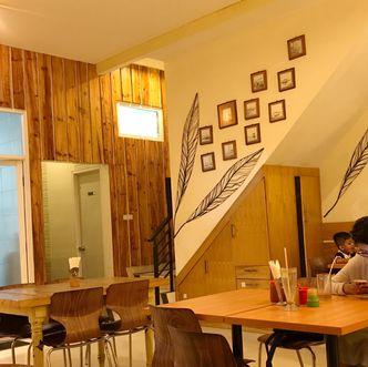 Foto Interior di Mie Ceker Bandung