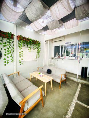 Foto 7 - Interior di Lab Coffee oleh Makan Samacici