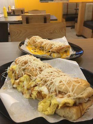 Foto review Kedai Roti Bule oleh Prido ZH 19