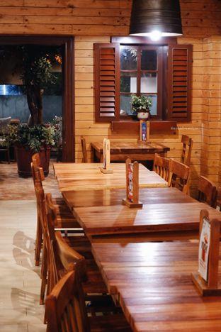 Foto 7 - Interior di Happy Day oleh Indra Mulia