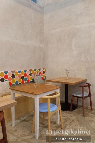 Foto 14 - Interior di Kona Koffie & Eatery oleh Shella Anastasia