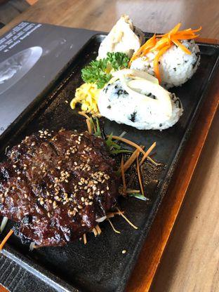 Foto 1 - Makanan di MyoungDong Gyoza oleh @yoliechan_lie