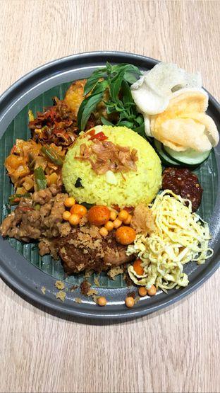 Foto 18 - Makanan(Nasi Kuning Kemangi) di Tamani Plus oleh Riris Hilda