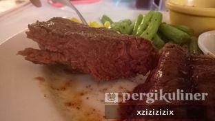 Foto 3 - Makanan di Holycow! STEAKHOUSE by Chef Afit oleh zizi