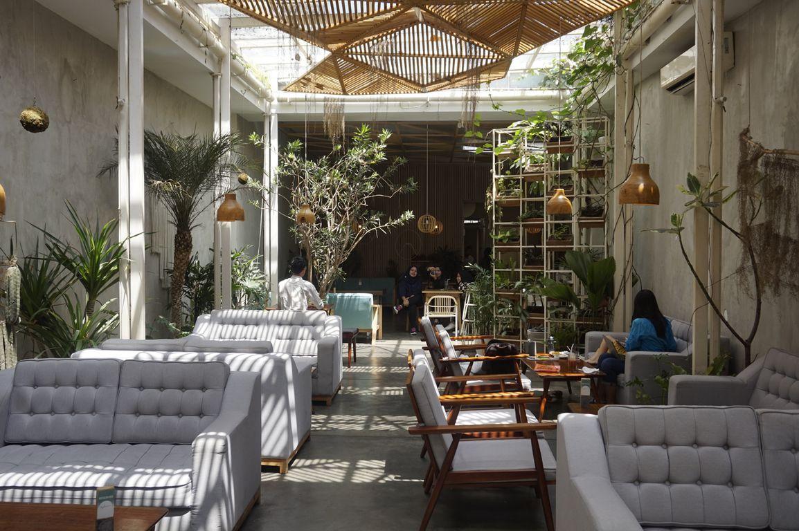 15 Coffee Shop Bandung Wajib Dikunjungi 2020 - Bolu Susu ...