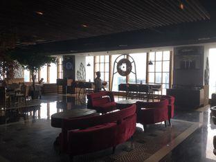 Foto 3 - Interior di Scenic 180° (Restaurant, Bar & Lounge) oleh Duolaparr
