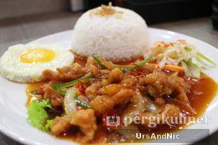 Foto 3 - Makanan(Sweet and sour chicken rice set) di Hong Kong Cafe oleh UrsAndNic