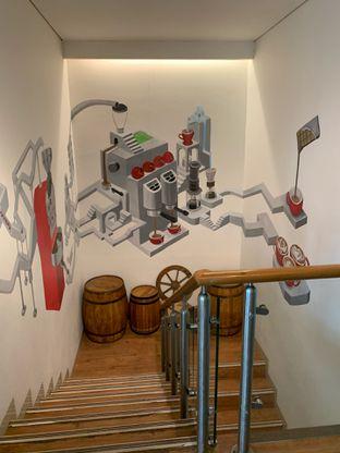 Foto 16 - Interior di Home Brew Coffee oleh Deasy Lim