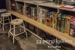Foto 7 - Interior di The Bunker Cafe oleh Tissa Kemala