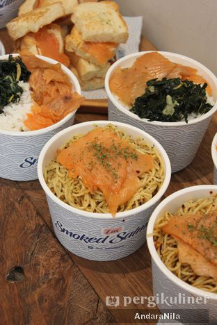 Foto 4 - Makanan di Lox Smoked Salmon oleh AndaraNila