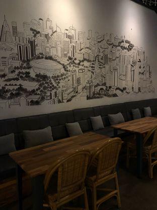 Foto 3 - Interior di Portal Coffee & Eatery oleh Mitha Komala