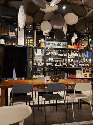 Foto 4 - Interior di Greyhound Cafe oleh Mouthgasm.jkt
