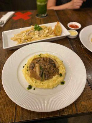Foto 2 - Makanan di Babochkaa Bistro & Coffee Bar oleh Riani Rin