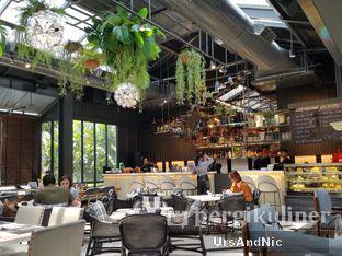 Foto 4 - Interior di Greyhound Cafe oleh UrsAndNic