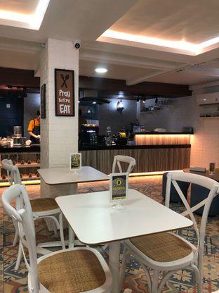 Foto 8 - Interior di Dapurempa Resto n Coffee oleh feedthecat
