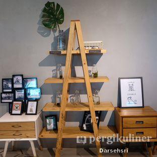 Foto 10 - Interior di Hygge Coffee oleh Darsehsri Handayani