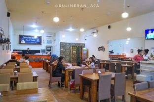 Foto 9 - Interior di Chopper Fish & Chicken Curry oleh @kulineran_aja