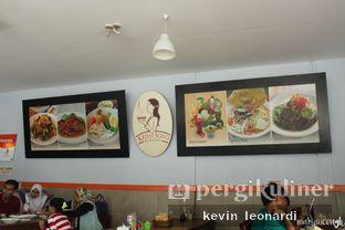 Foto 1 - Interior di Kedai Soto Ibu Rahayu oleh Kevin Leonardi @makancengli