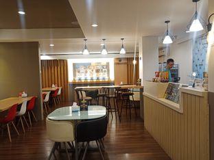 Foto 1 - Interior di Kojima Burger & Coffee oleh Dhans Perdana