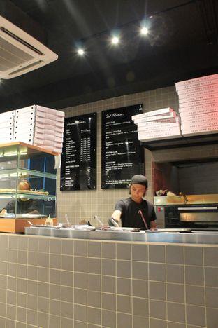 Foto 6 - Interior di Sliced Pizzeria oleh Prido ZH