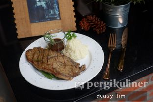 Foto review Intro Jazz Bistro & Cafe oleh Deasy Lim 10