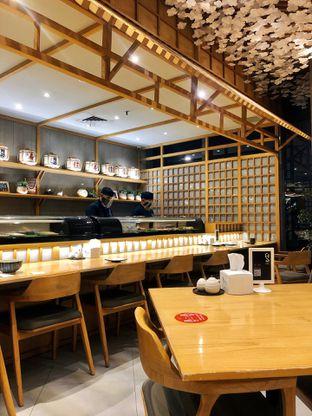 Foto 3 - Interior di Sushi Hiro oleh kdsct