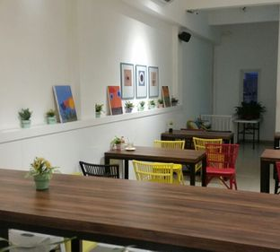 Foto 2 - Interior di 30 Seconds Coffee House oleh El Yudith