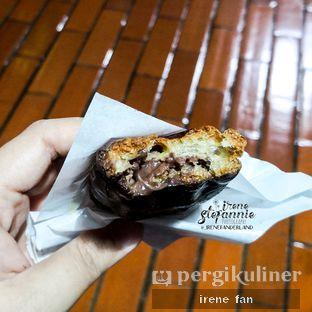 Foto 3 - Makanan(Eclaire Pastry Cocoa) di Beard Papa's oleh Irene Stefannie @_irenefanderland