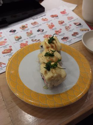 Foto 4 - Makanan(Kanimayo Mentai Roll) di Tom Sushi oleh Qorry Ayuni