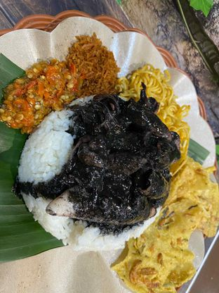 Foto review Nasi Cumi Hitam Madura Pak Kris oleh Yohanacandra (@kulinerkapandiet) 13