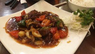 Foto 6 - Makanan(beef blackpaper (IDR 57.2k) ) di Tuan Rumah oleh Renodaneswara @caesarinodswr