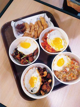 Foto 1 - Makanan di Sudut Tangga oleh @kulinerjakartabarat (reniperwira)