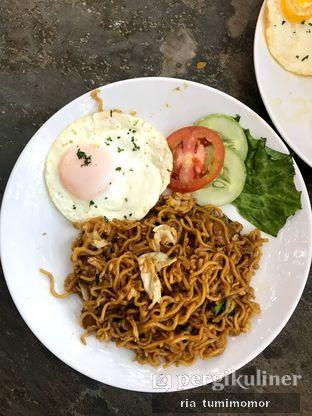 Foto 1 - Makanan di Halaman Belakang oleh riamrt