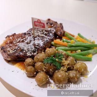 Foto review Steak 2511 oleh Darsehsri Handayani 2