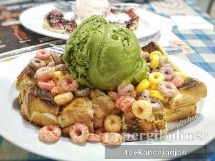 Foto 1 - Makanan(Roti Bakar Marshmallow Fruity Cereal + Green tea Ice Cream) di Keibar - Kedai Roti Bakar oleh Arifina  | @toekangdjadjan