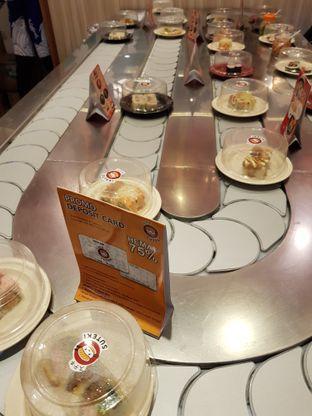 Foto 2 - Interior di Suteki Sushi oleh Amrinayu