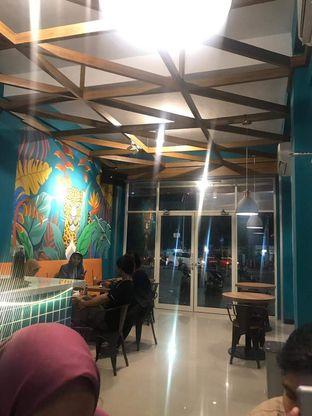 Foto 7 - Interior di Paradox Cafe oleh Hikmaayu 10