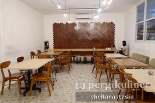 Foto 6 - Interior di 404 Eatery & Coffee oleh Shella Anastasia