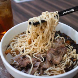 "Foto - Makanan di Soto Mie ""AGIH"" Sukabumi oleh Stellachubby"