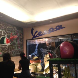 Foto 3 - Interior di Scooter Cafe oleh Almira  Fatimah