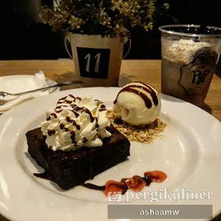 Foto 1 - Makanan(Choco Fudge Brownie Ice Cream) di PGP Cafe oleh Asharee Widodo