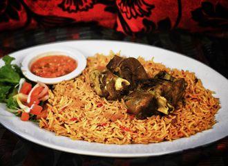 6 Restoran untuk Bukber di Surabaya dengan Makanan Ala Timur Tengah