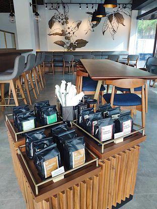 Foto 4 - Interior di Macroni Tei Coffee oleh inggie @makandll