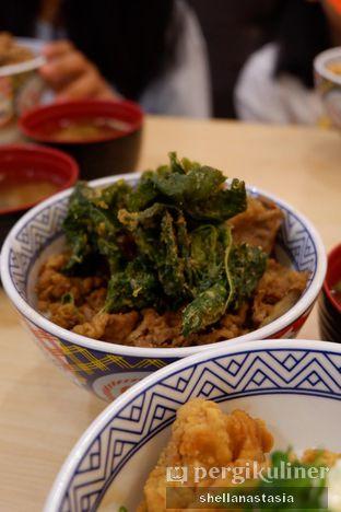 Foto 3 - Makanan(Beef Bowl ) di Yoshinoya oleh Shella Anastasia