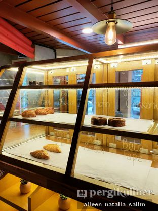 Foto 4 - Interior di Mikkro Espresso oleh @NonikJajan