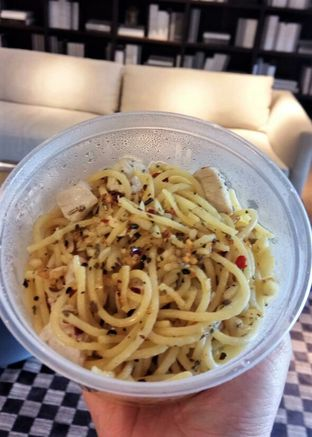 Foto 3 - Makanan(Spaghetti Aglio Olio) di Sunset Limited oleh YSfoodspottings