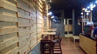 Foto 3 - Interior di Cerita Kopi oleh yudistira ishak abrar