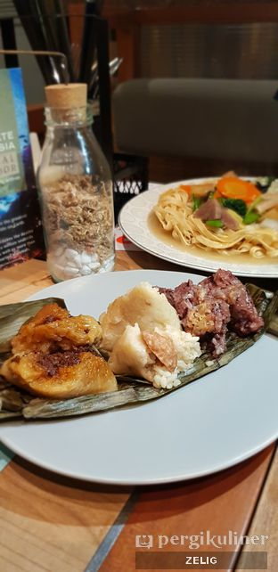 Foto 4 - Makanan di Gopek Restaurant oleh @teddyzelig